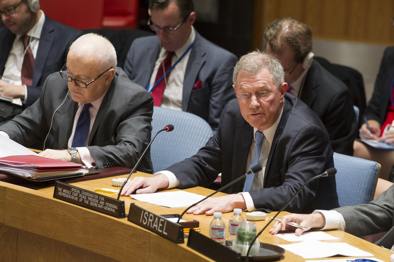 Robert H. Serry (front right), UN Special Coordinator for the Middle East Peace Process, briefs the Security Council.